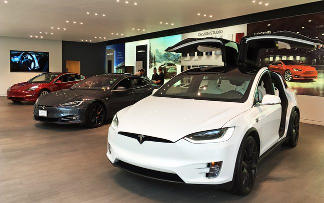 Complete lineup of Tesla's electric cars exhibited at Tesla Store Washington D.C. Foto: Wikimedia Commons